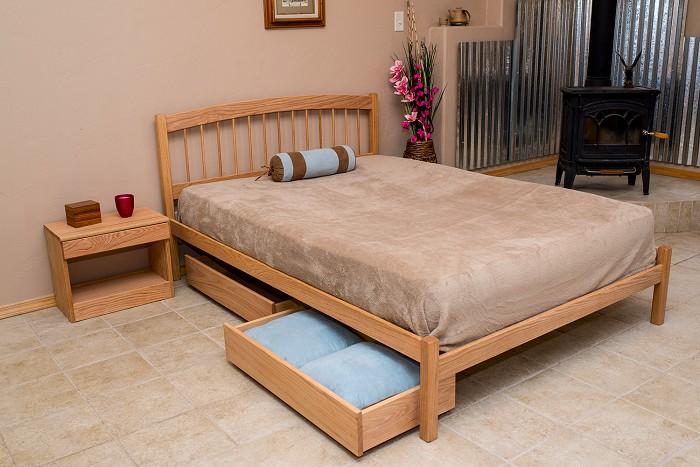 . The Bay City Platform Bed